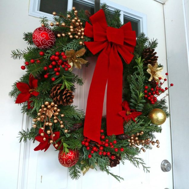Christmas-Wreath-4-SQUARE-Lighter.jpg